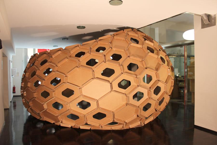 Cocoon Cardboard padiglione cartone ondulato